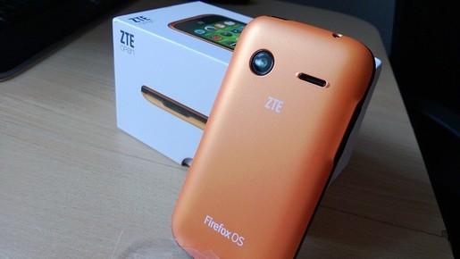 Mặt sau ZTE Open sử dụng FireFox OS